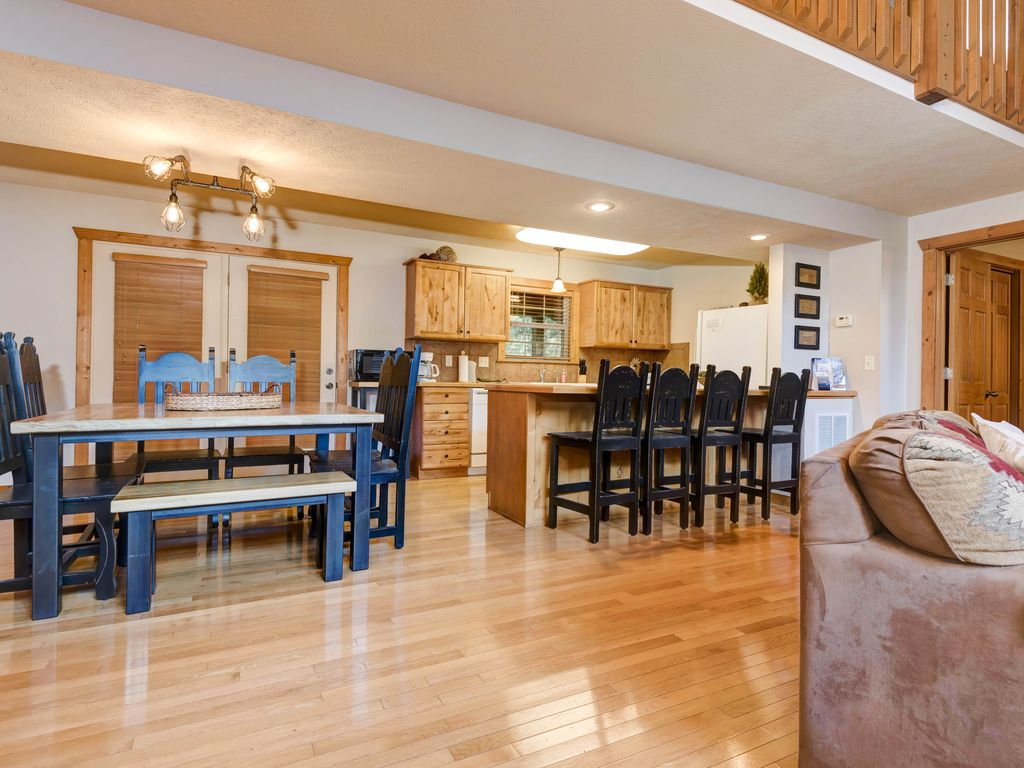 Quiet Creek Cabin Spacious 4 Bedroom Cabin At Beautiful Stonebridge Resort Branson West