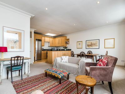 Photo for Harcourt Terrace  apartment in Kensington & Chelsea with WiFi.