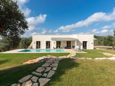 Photo for Luxury holiday villa - 4 minute drive to Ostuni - pool - wifi