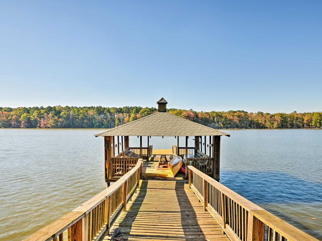 waterfront high rock lake cottage w  private dock