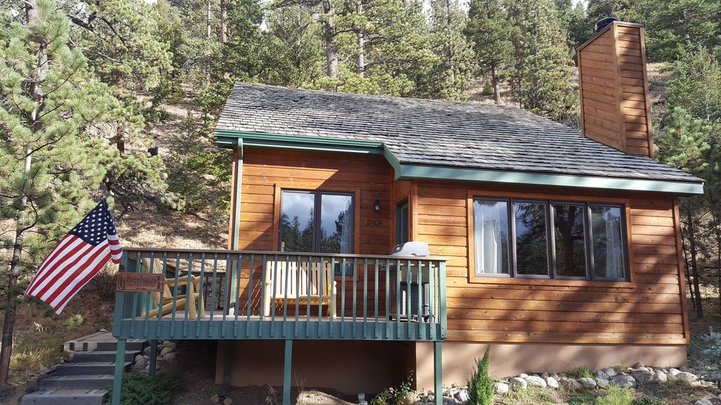 stay near the river and walk into rocky mountain national park rh homeaway co uk estes park lodging paradise on the river estes park cabin on fall river