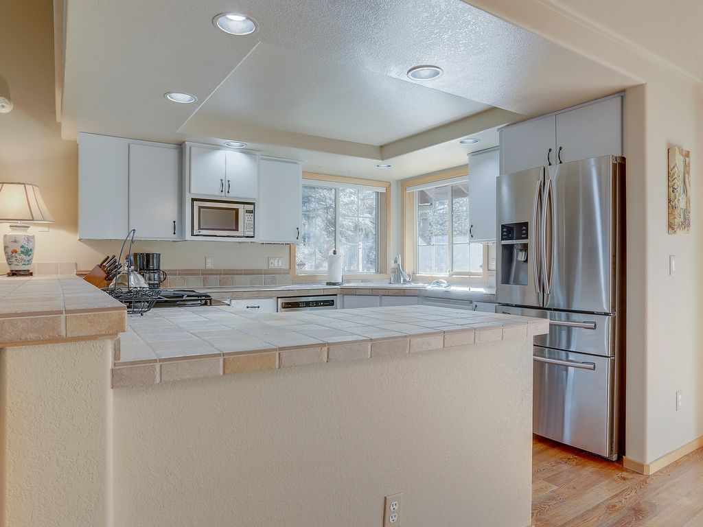 Beautiful Sunriver Home - Remodeled Kitchen, Over-sized Master Suite ...