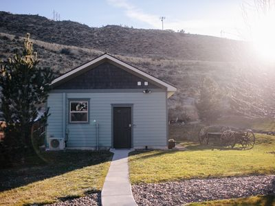 Photo for Gorgeous Guest House - Open Layout, Full Kitchen, Large Yard