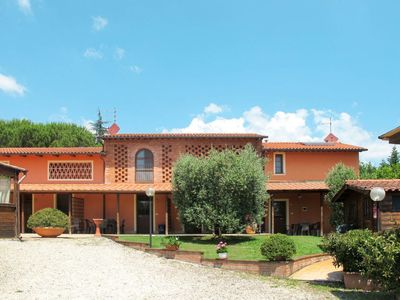 Photo for 2 bedroom Villa, sleeps 5 in Montefalcone with Air Con and WiFi