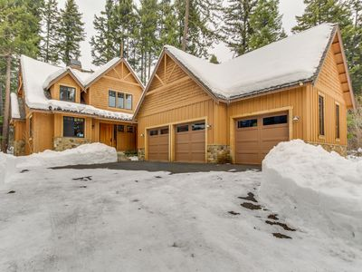 Photo for Stunning mountain home w/ gourmet kitchen, fireplace, patio, & gas grill!