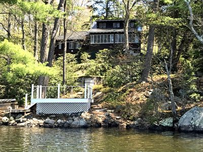 Vacation on the lake in this elegant 3 bedroom home