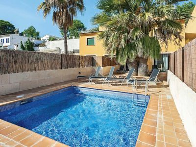 Photo for Modern villa with a pool and picturesque surroundings, close to 3 beaches