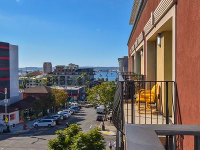 Photo for Downtown San Diego Condo. Bay View. Parking. King Bed.