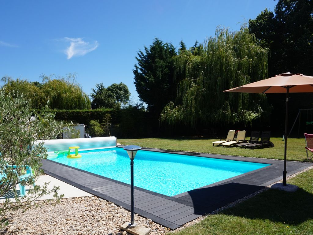 Bed and breakfast near royan beaches park homeaway for Hotel royan avec piscine