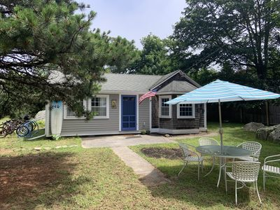 Photo for Freshly renovated 2 bedroom, 2/10s mile to private association beach