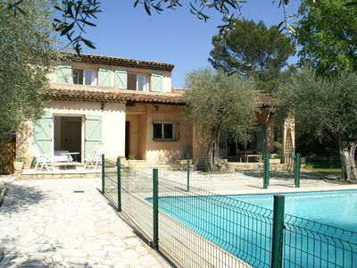 Photo for Spacious villa with fenced garden, private swimming pool, and nearby Grasse!