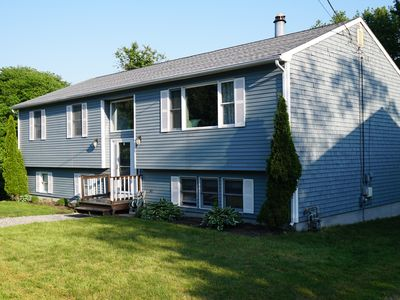 Photo for Narragansett R.I. 5 Bedrooms, 3 full bathrooms, central air on cul-de-sac