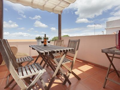 Photo for Porta de Alfama - Three Bedroom Apartment, Sleeps 6