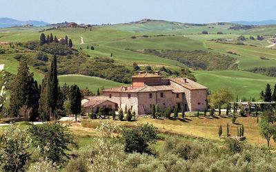 Photo for 15 bedroom Villa, sleeps 30 in San Gimignanello with Pool and WiFi