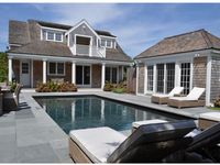 Fantastic home, great pool, close to town