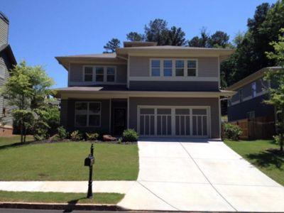 Photo for Spacious home sleeps up to 10 comfortably, 10 minutes to downtown ATL.