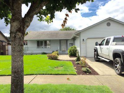 Stay in Puyallup: Minutes from freeway access, fairgrounds, and commuter train