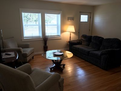 <Mile to Bucknell-4BR,2BTH,2LR. Screened Sitting Porch