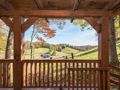 Hot Tub & WiFi - Small Family Cabin - Sunrise - Mountain Retreat in Red River Gorge, KY!