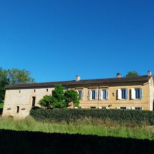 Photo for 4BR Farmhouse Vacation Rental in Lalinde, Nouvelle-Aquitaine