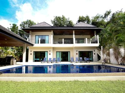 Photo for Opal: 8 Bedrooms & Pool nr Beach 18 Pax