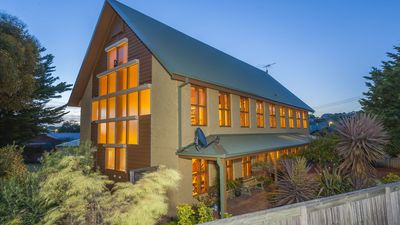 Photo for Shanouk Lodge Ocean Grove - pet & family friendly
