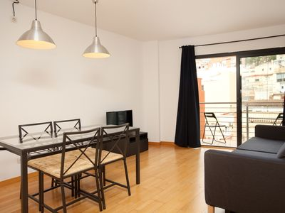 Photo for Cozy renovated apartment near Park Guell with free wifi