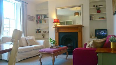 Photo for Beautiful 1 bedr Royal Mile apartment (10 min to Holyrood, 15 minutes to Castle)