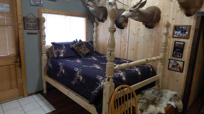 Photo for Cabin rental, Crawford's best lodging choice and value. Fully stocked, kitchen.