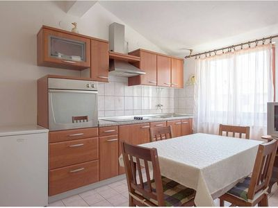 Photo for Prusic 2, small and cosy apartment in a quiet part of Rovinj (3+1)