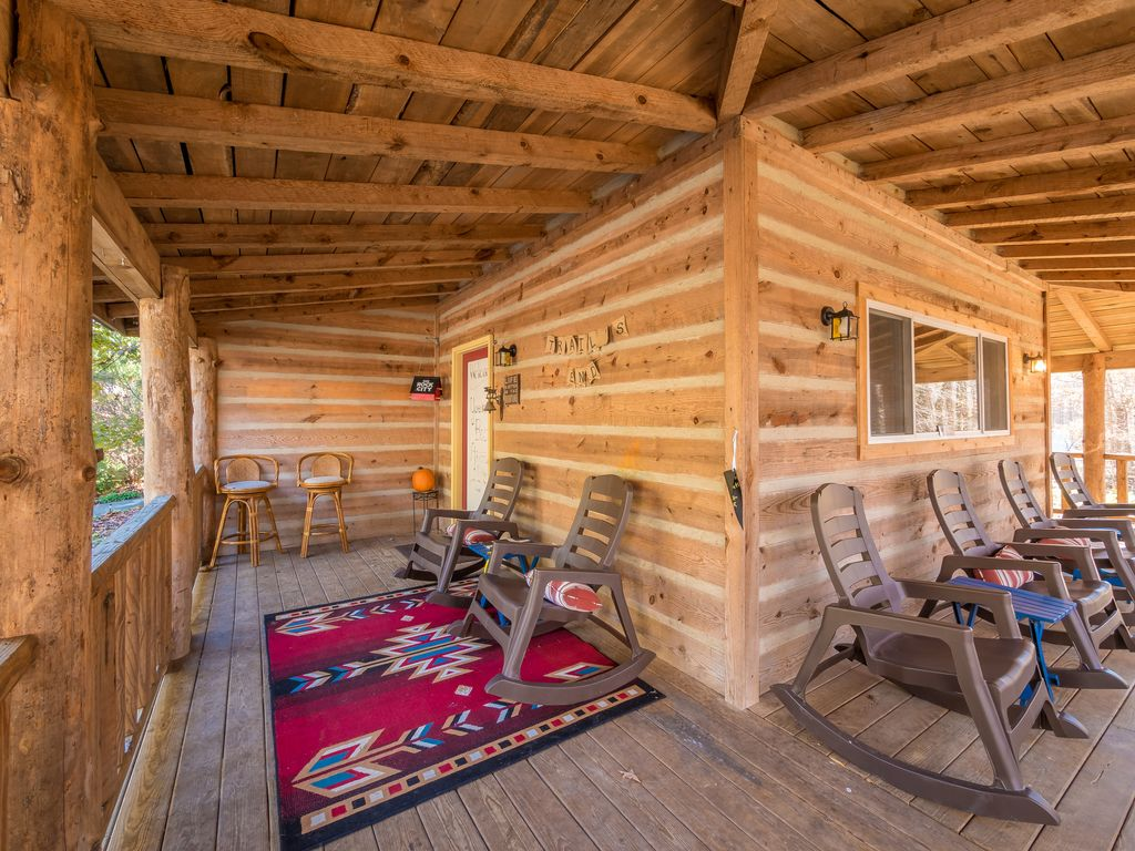 cherohala crazybear in cabins chattanooga tellico plains cabin rentals tn rental