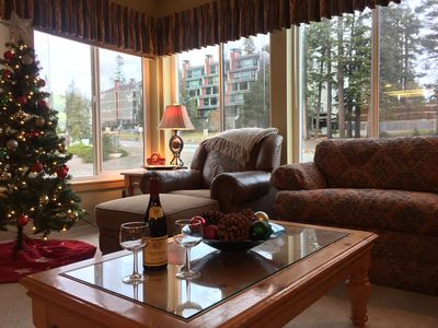 Photo for Spacious Mammoth Condo, Walk to Canyon, Close to Village, Corner Unit, Jacuzzis