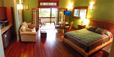 Panorama of the Bamboo Suite interior