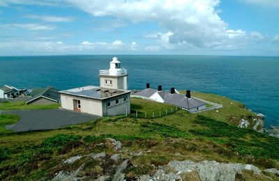 Photo for Refurbished lighthouse keepers' cottage Siren at Bull Point lies just outside of Mortehoe in North