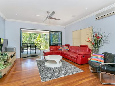 Photo for House in Palm Cove with Internet, Air conditioning, Parking, Garden (706515)