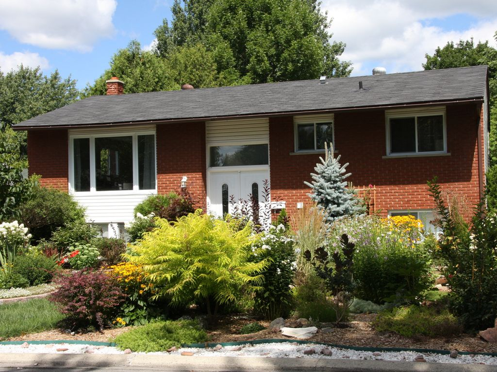 Charming, Newly Renovated Split Level... - HomeAway Beacon Hill North