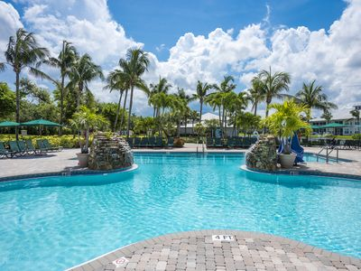 Photo for Beaches - Pools - Golf - Shuffleboard  - Resort Style Living - Players Club