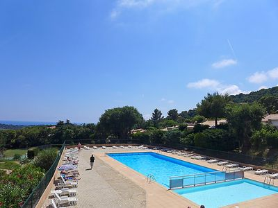 Photo for One bedroom Apartment, sleeps 4 in La Croix-Valmer with Pool and WiFi
