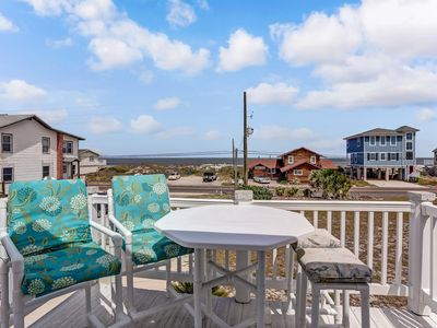 NEW OWNERS & UPDATED. PERFECT LOCATION, LOTS OF PARKING, BEACH ACCESS STEPS AWAY