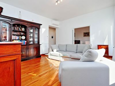 Photo for Modern 2bdr apt in historical center of Rome!