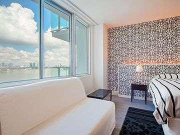 Luxury Water View Studio in 5 Star Hotel. Spectacular Direct Water View