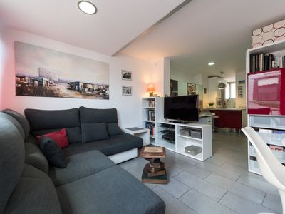 Photo for Penthouse with harbor views and shared terrace