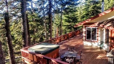 Hot Tub, Pool Table, Great Views, Big Decks, near Heavenly, Beach, and Casinos