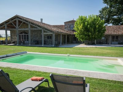 Photo for Superb holiday house of high standard in a beautiful setting with private pool!