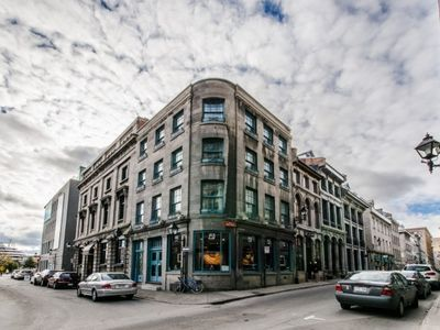 Renovated Historical House In The Heart Of Old Montreal