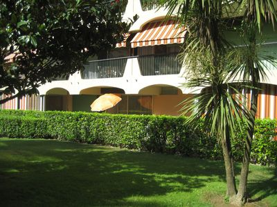 Photo for Spacious, modern and quiet apartment with swimming pool, 2 bedrooms, 2 bathrooms