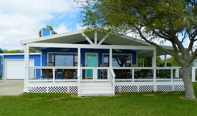 """""""Flying Fish"""" Bay Front Home!! Fishing Pier outside your front door"""