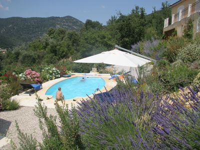 Photo for Luxury villa with heated pool and panorama, 10 min steps from the old Nyons