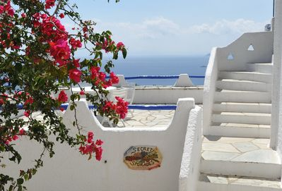 Villa ERIKA. The main acces to the SECRET SPORADES Complex with his ceramic sign