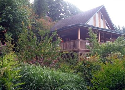 Rest and relax in the beauty of nature at the custom-built Harmony Retreat